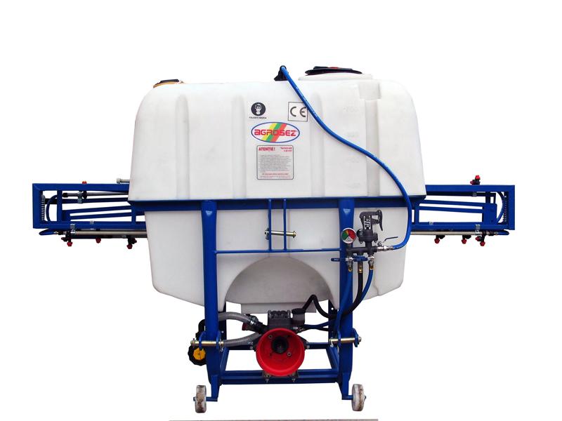 Pulverizator-Masina de erbicidat 800 L  UD 800